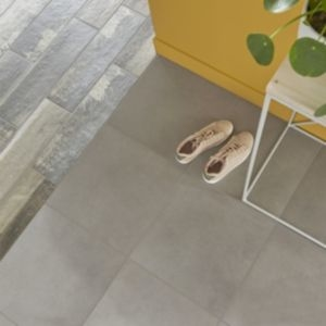 Konkrete Grey Matt Concrete effect Porcelain Floor tile  Pack of 10  (L)426mm (W)426mm